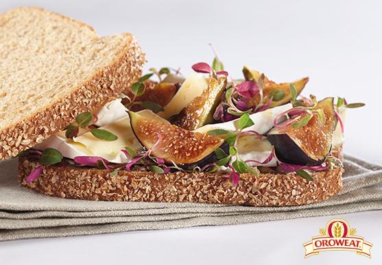 Sándwich Oroweat de Higos con Queso Brie